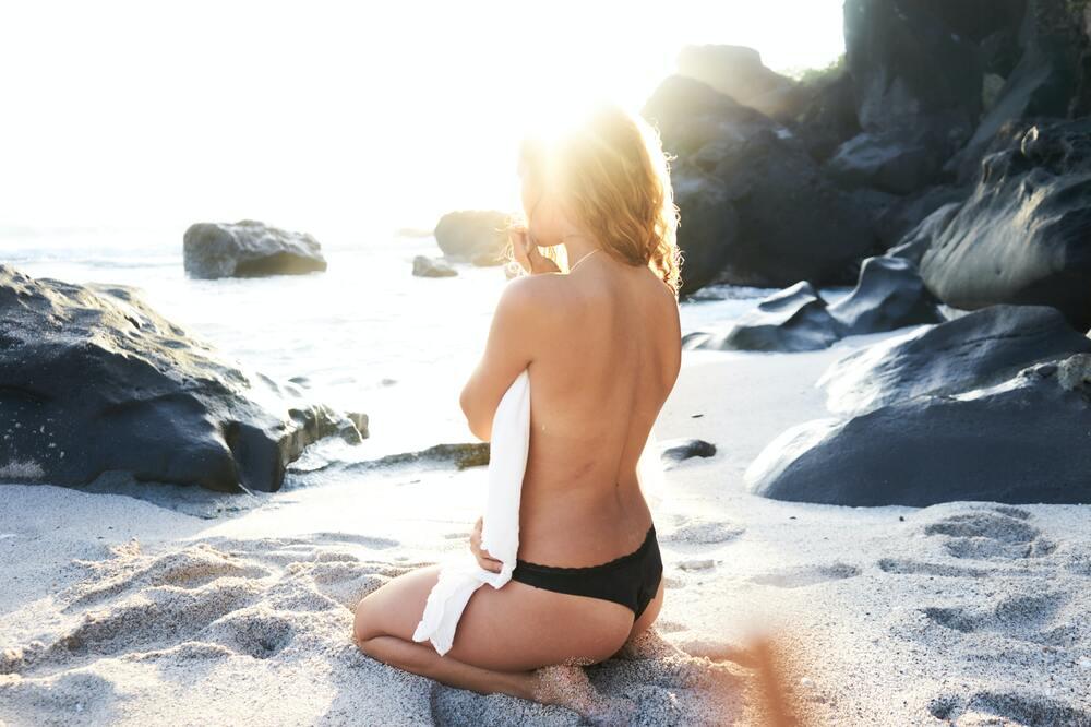 vrouw zonder cellulitis